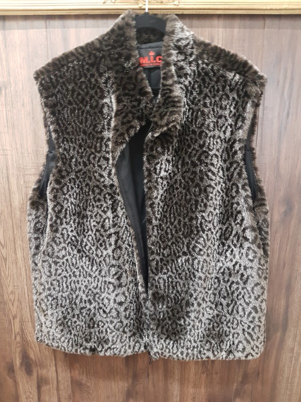 M.I.C Vest Made in Canada Leopard size XL