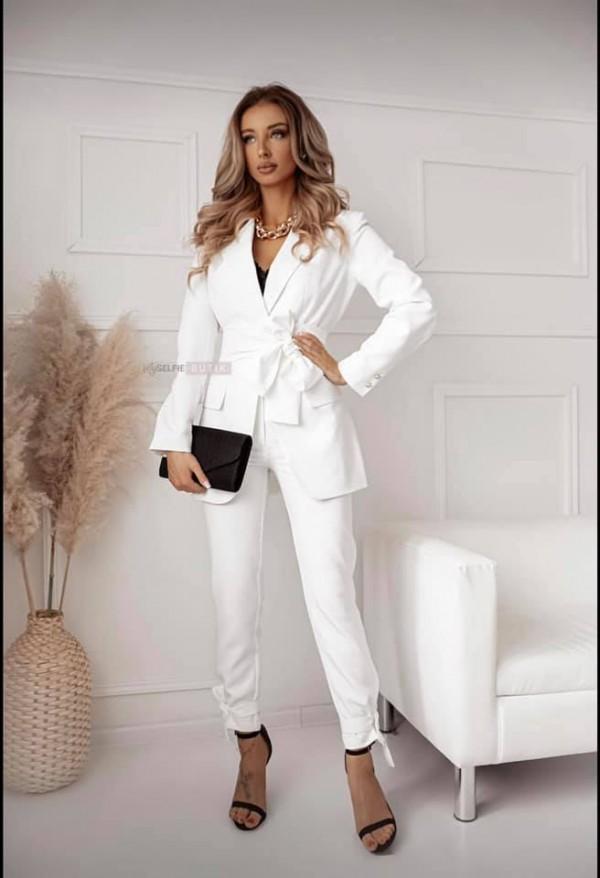 White suit size M