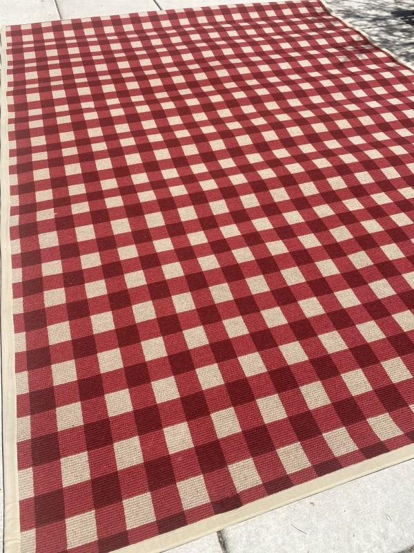 Red/Tan Plaid Rug w/pad