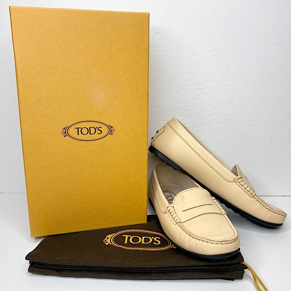 Tod's 'Gommino' Driving Loafer