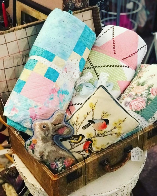 Homemade Vintage Quilts made with Love 💕