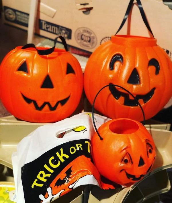 Deadstock Vintage Halloween 🎃 Decor • Vintage Pumpkin Mold Jack-o-Lanterns