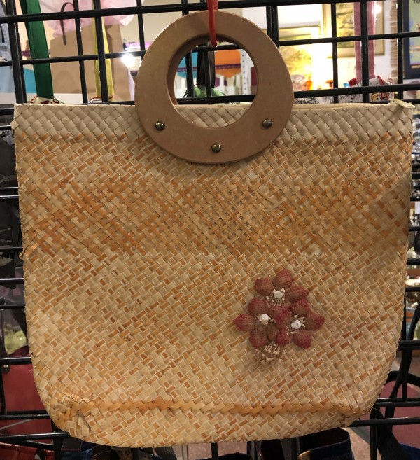 Vintage Woven purse with Wooden Handle