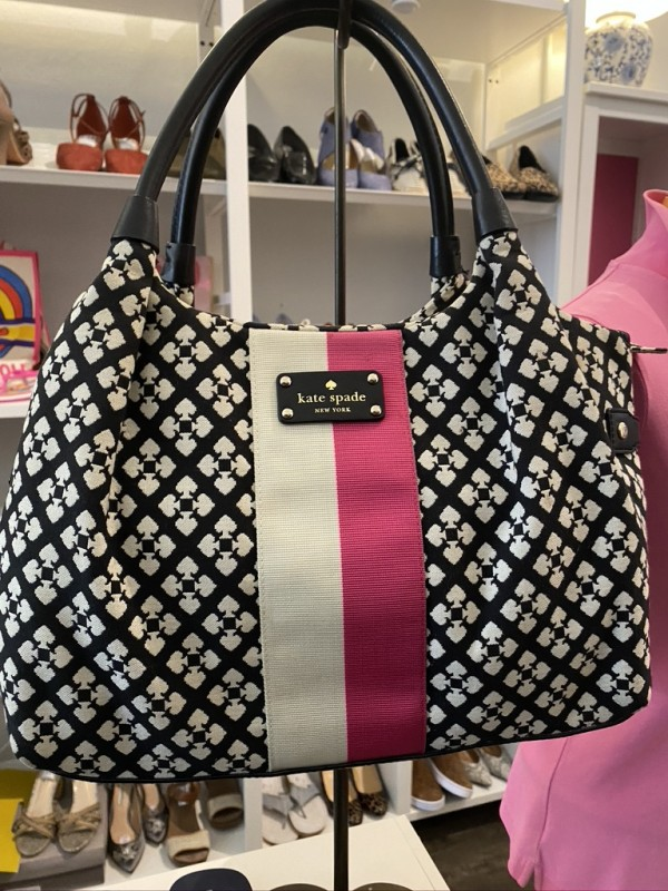 Kate Spade stevie classic black and white