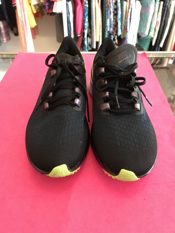 New Nike Zoom Pegasus size 10.5