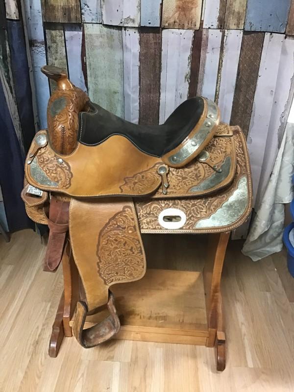 "16"" Big Horn Show Saddle"