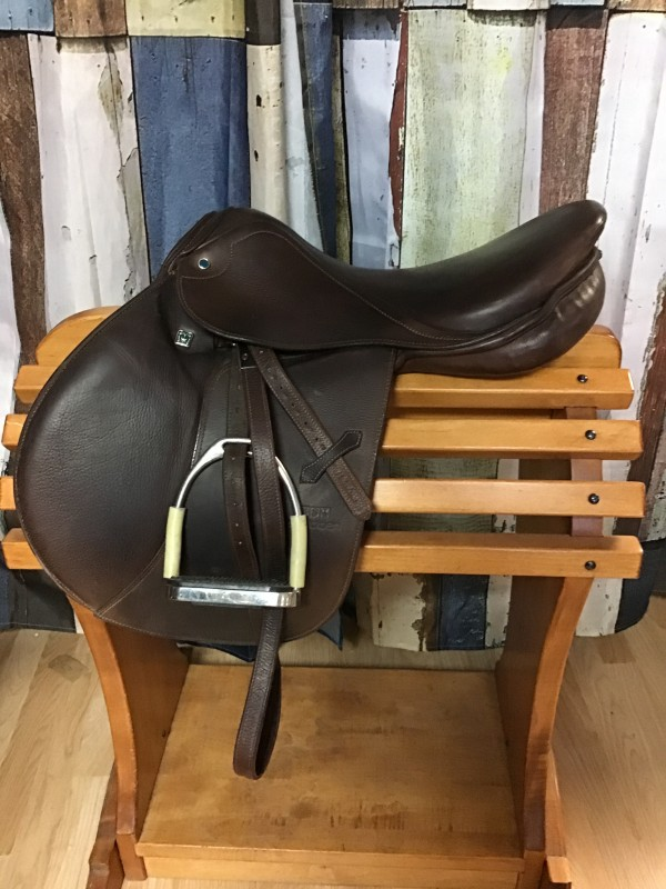 "17.5"" Stubben Portos Extra Deluxe CC Saddle w/ Leathers & Jointed Stirrups"
