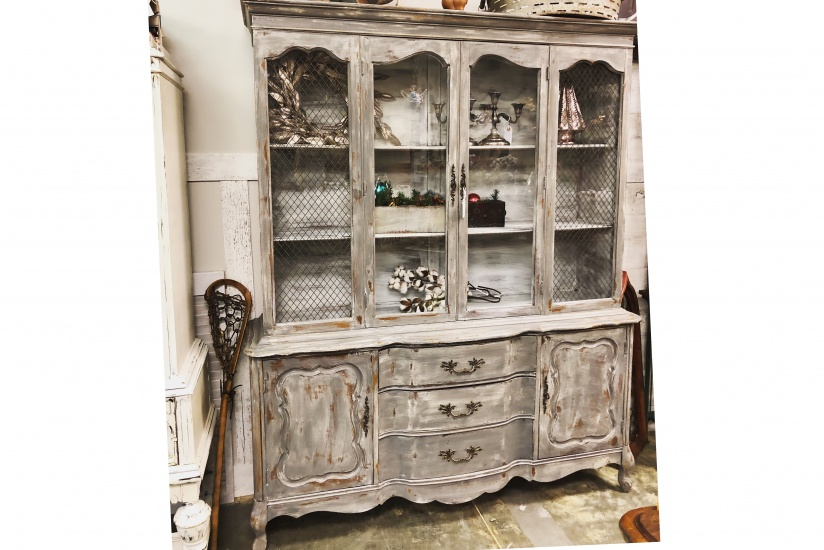 Beau French Country China Cabinet
