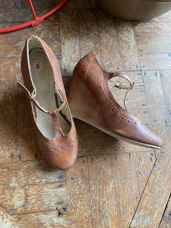 RESTRICTED Brown Leather Wedges
