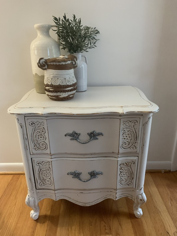 White shabby chic side table