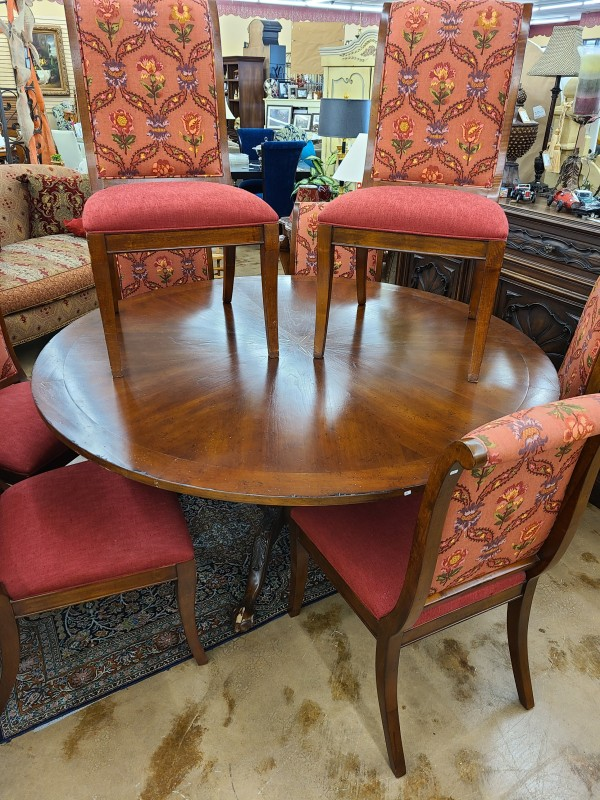 * Lillian August by Drexel Heritage Round Dining Table