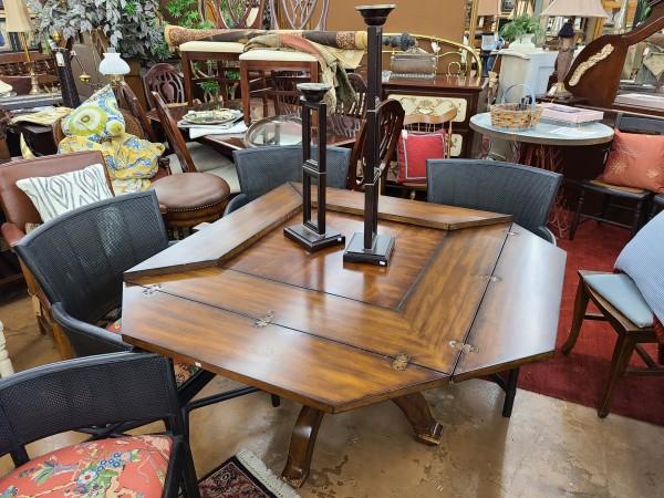 * Convertible Medium Wood Gaming Table
