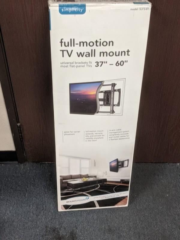 TV Mounting Set