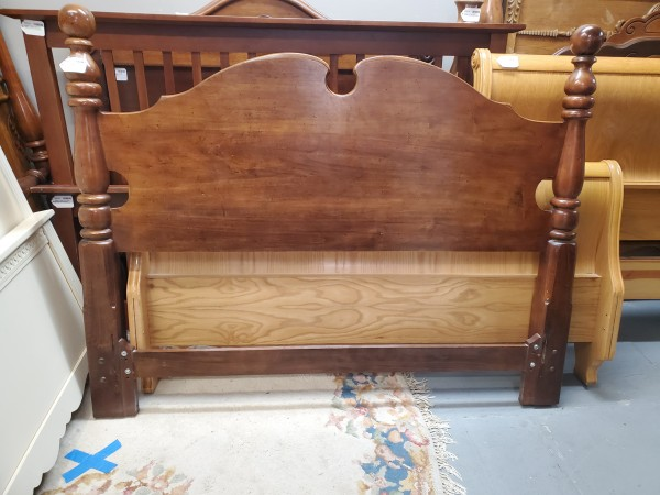 FULL - Vintage Thomasville Bed - AS IS - FB Damage